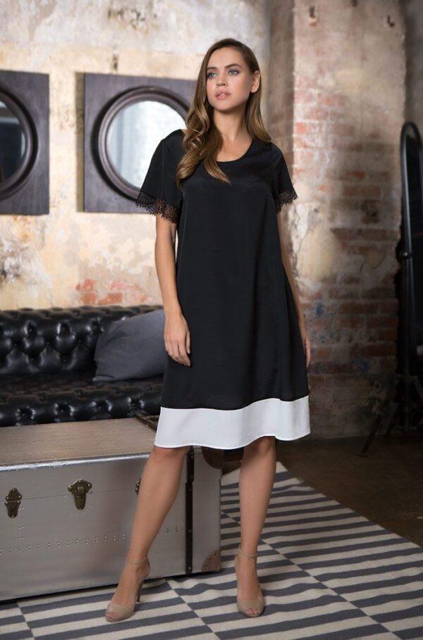Изысканное домашнее платье в кружевными рукавами
